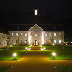 Castle Rabenstein at night.